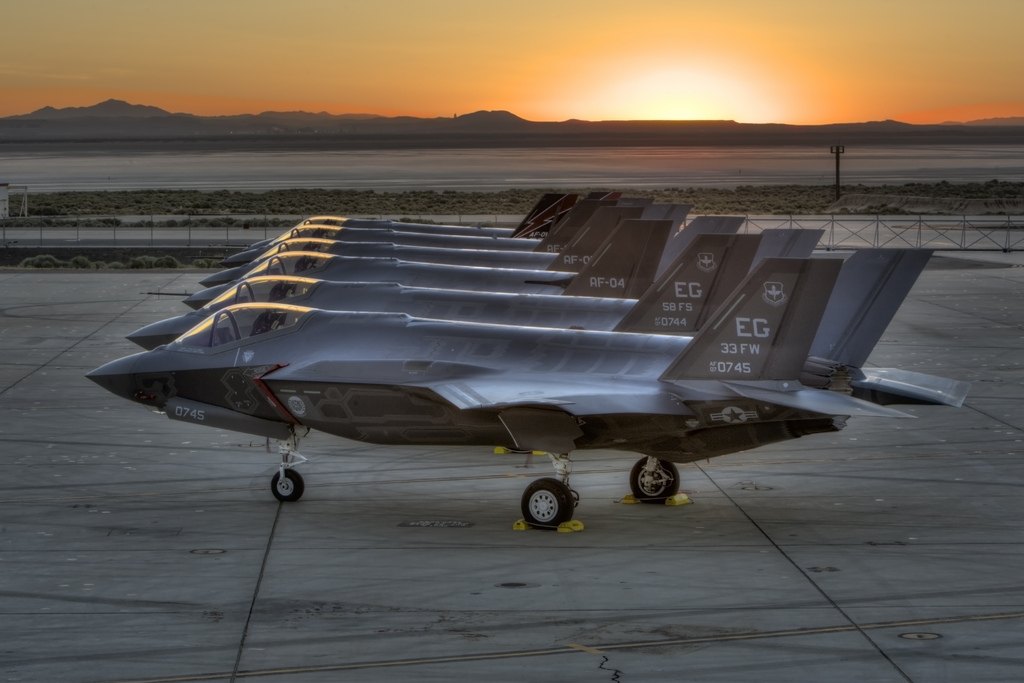 f-35 kampfly joint strike fighter lockheed