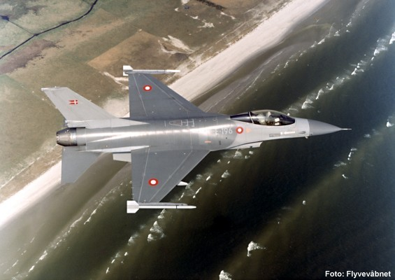 F16 F-16 jagerfly kampfly