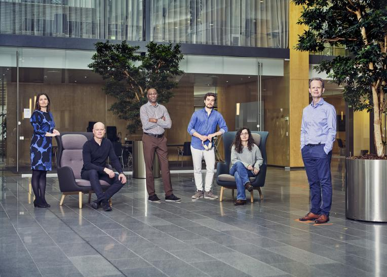 The new development philosophy at GN Audio brand Jabra has led to the introduction of so-called Experience & Technology teams. Here the work is based on the consumer experience that a particular feature or product should give and which technology should be matured in order to deliver. In the photo, from the left: Denise De Leuw Kristensen, Henning Schwarz, Bolaji James Adesokan, Nuno Beleza Freire, Anne Marie Sänger and Brian Hermann.